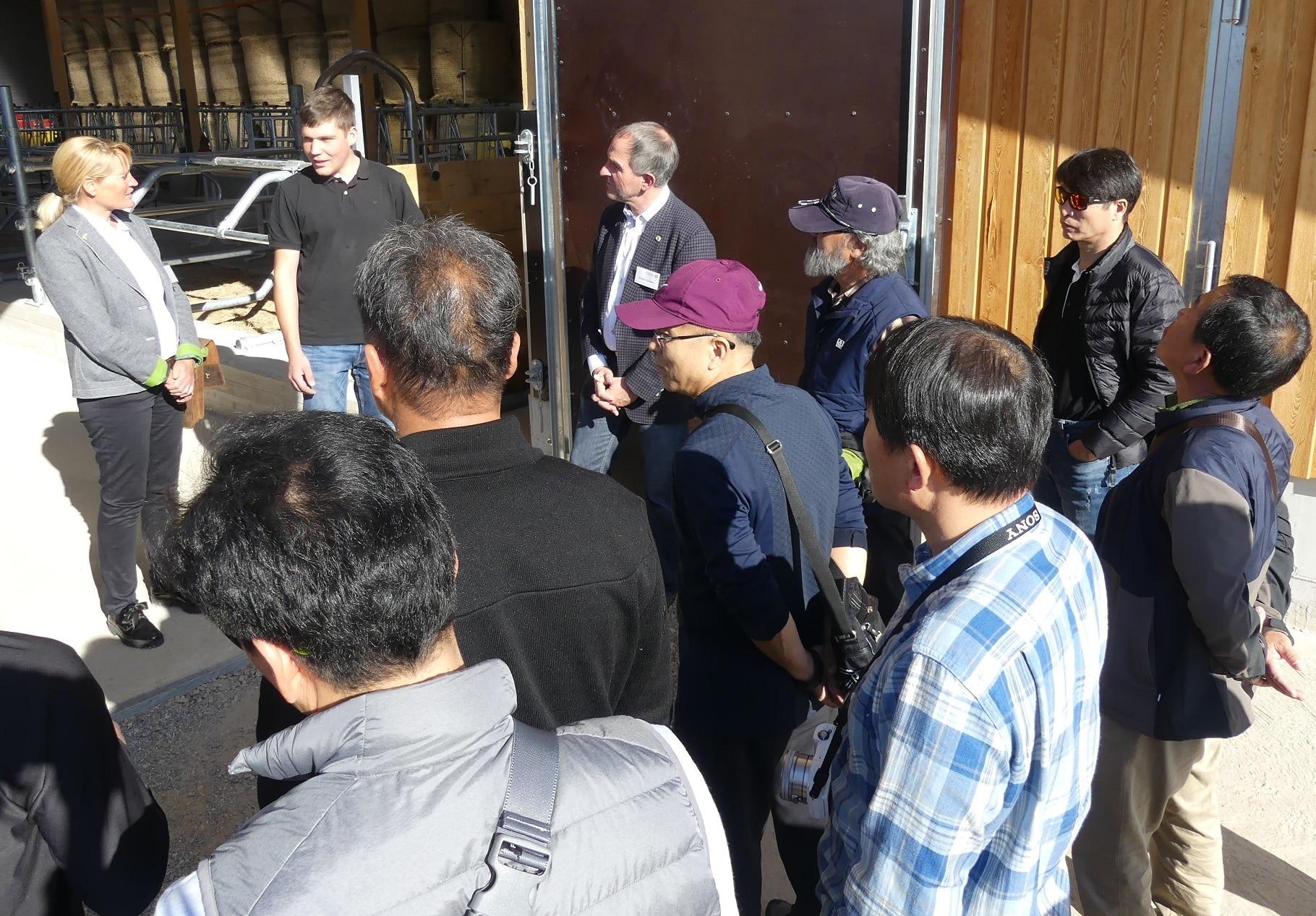 Südkoreaner besuchen Fröhnd im Biosphärengebiet Schwarzwald/ Bürgerbeteiligung als Vorbild für aktuelle Initiative bei der UNESCO